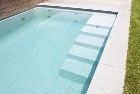 Uw zwembad wordt volledig op maat gemaakt