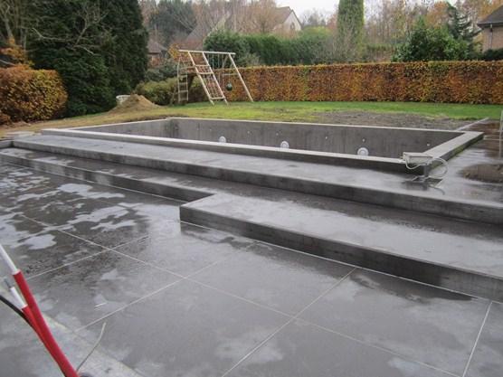 Gemetst & gegoten betonnen zwembad