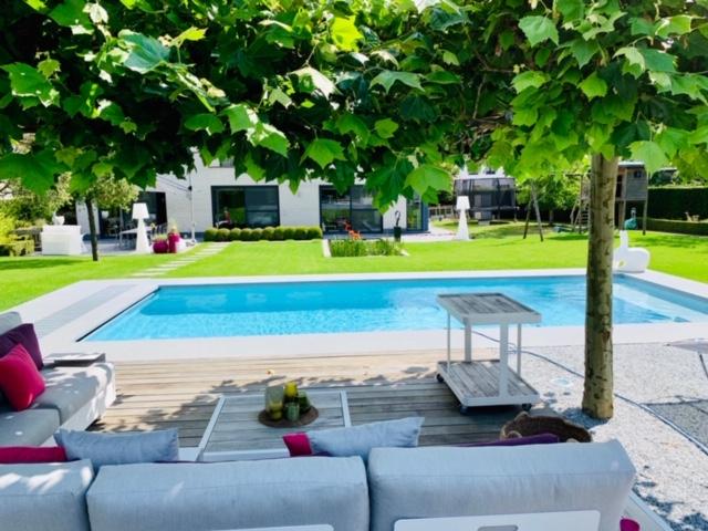 zwembaden-bollen-afgewerke-zwembaden (7)