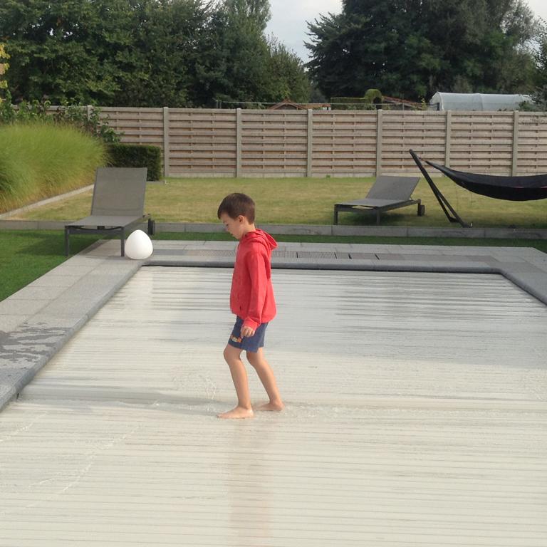 Covrex zwembadrolluiken bestand tegen alle weersomstandigheden